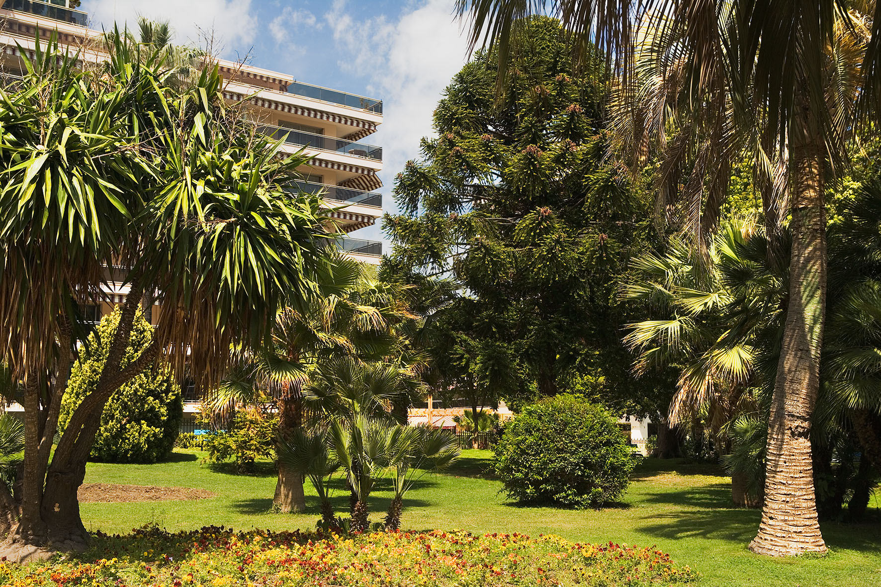Jardin pauline r sidence autonomie les str litzias for Jardin residence